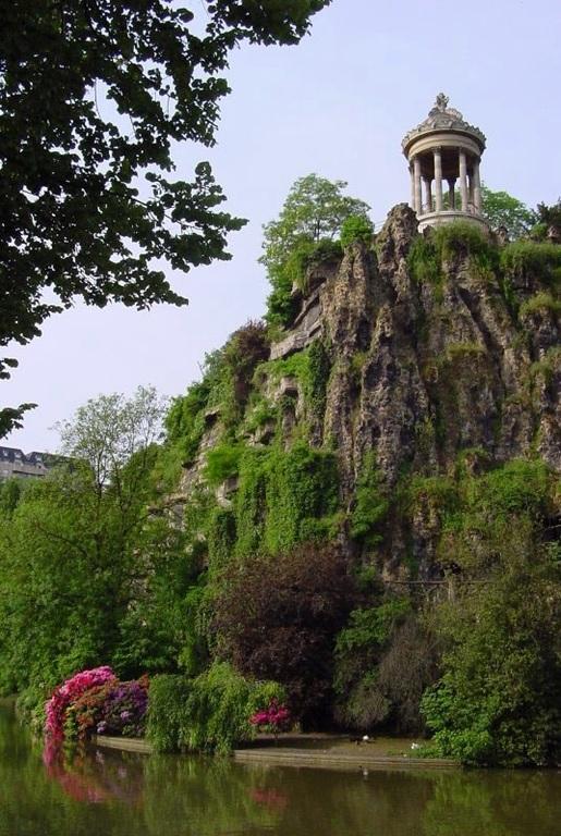 Buttes Chaumont parc in North of Paris