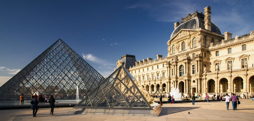 The Louvre : the famoust museum in Paris with the Joconde and Egyptian Antiques