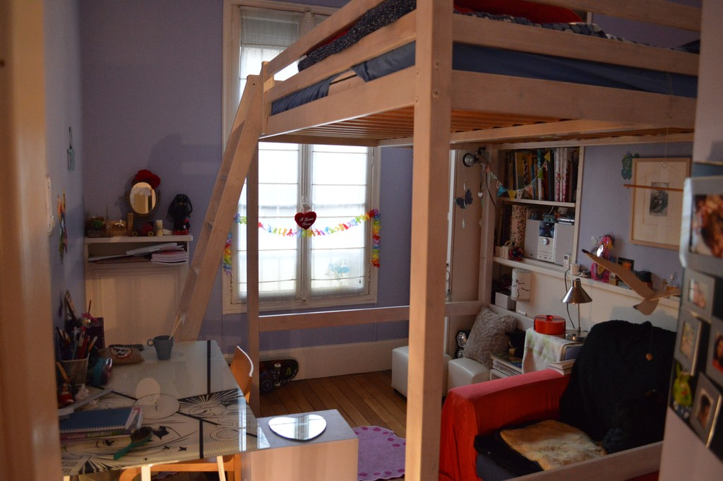 zelie's tiny bedroom (mezzanine for 2 people )