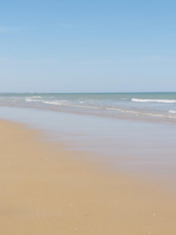 Big sandy beach- 60km - one day trip - St Jean de Monts