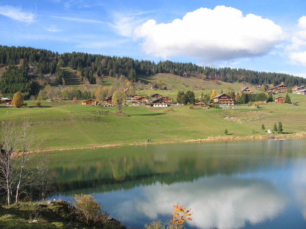 Confin lake, close to La Clusaz