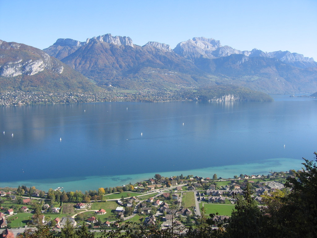 Annecy's lake and view on the mountain : Tournette