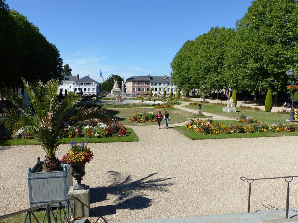 Lisieux : le jardin de l'évêché (photo Jen & Dirk)