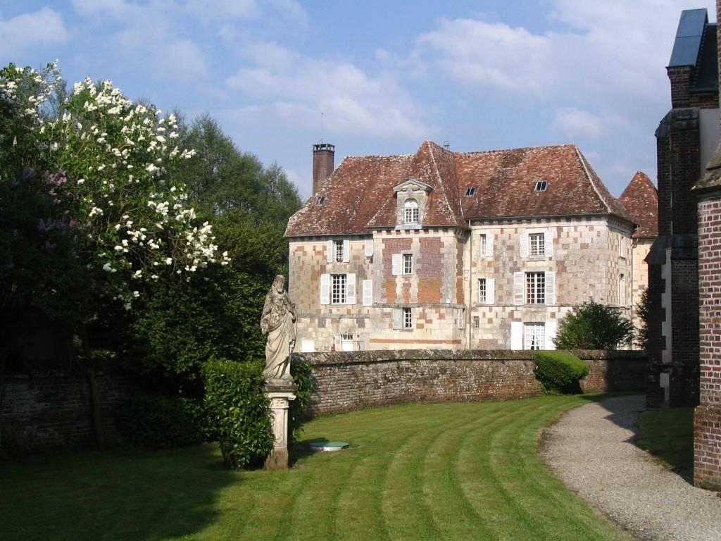 Le château d'Hermival-les-Vaux (architecture classique - XVI°/XVIII°s)