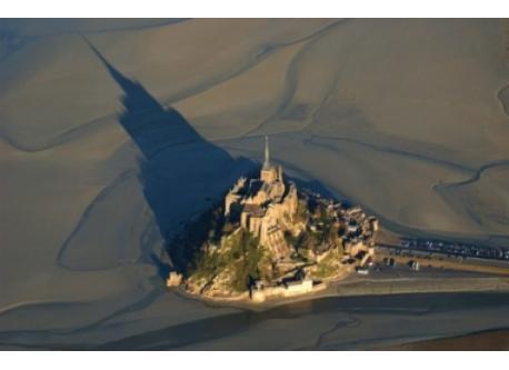 Le Mont Saint-Michel vu du ciel (gothique)