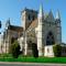 """L'Eglise de Dives-sur-Mer (style roman et gothique); l'écrivain Marcel Proust la surnomma """"Balbec"""""""