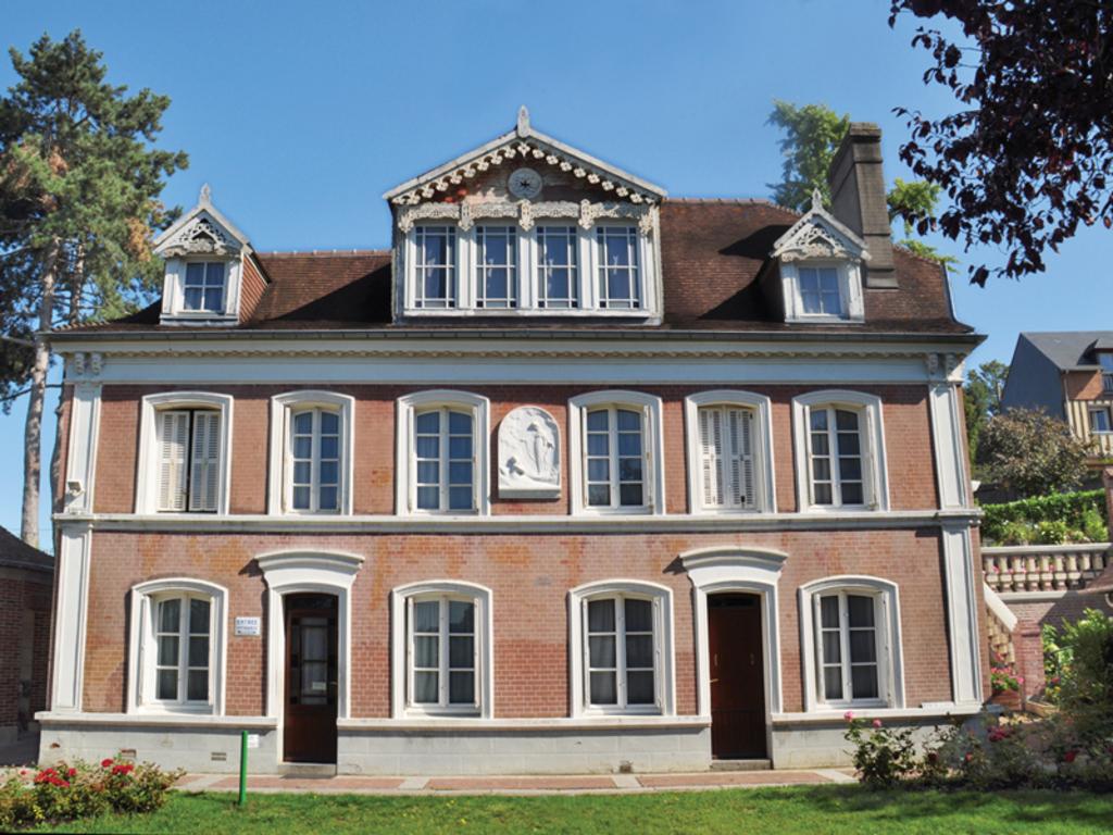 Maison de Sainte-Thérèse (architecture en briques typique de la région) à Lisieux