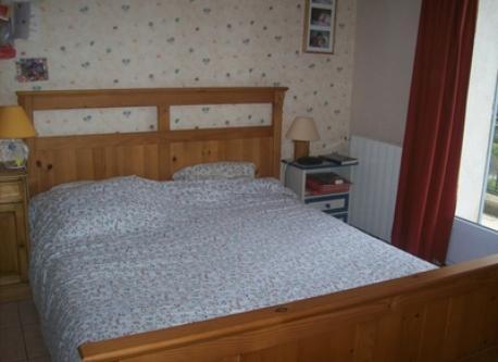 chambre 1, lit double