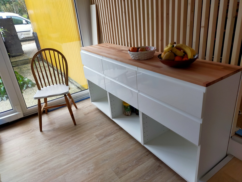 In the kitchen the new claustra in wood