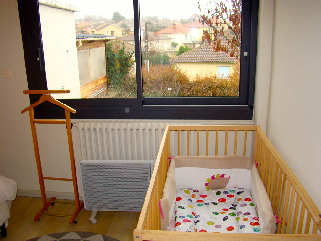 baby bed in the second bedroom