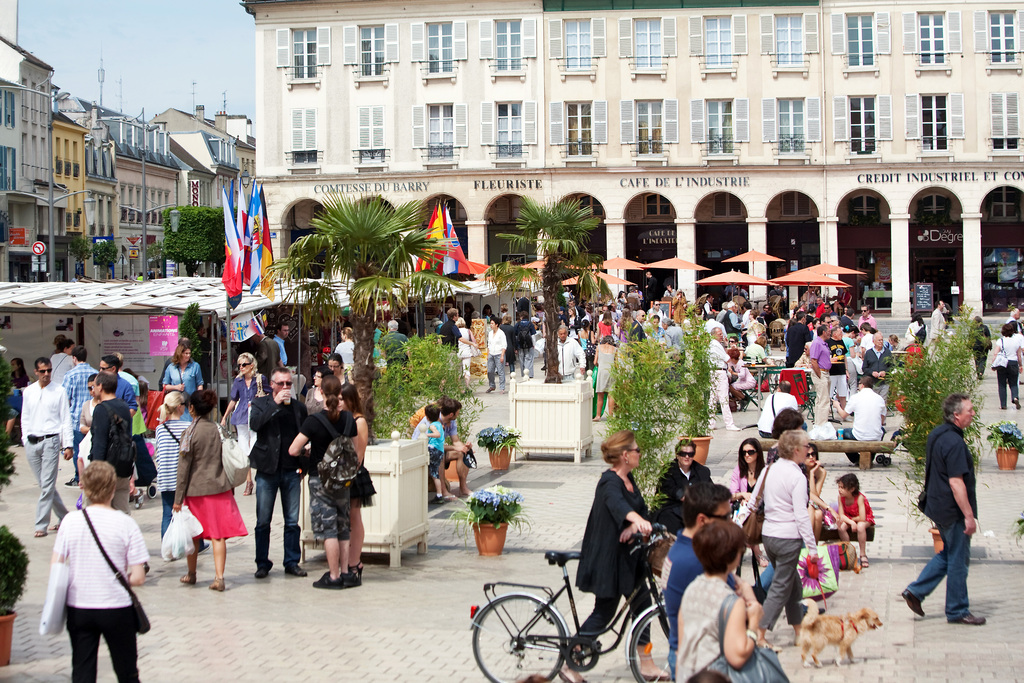 Market place in Saint Germain en Laye
