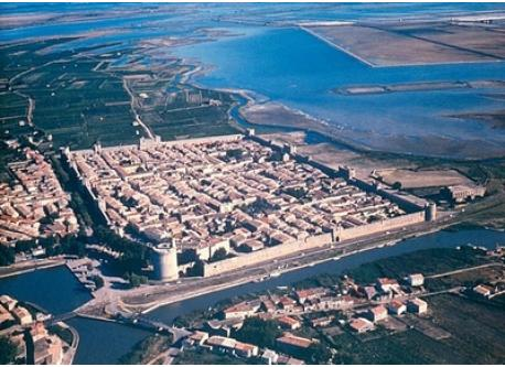 Aigues Mortes city