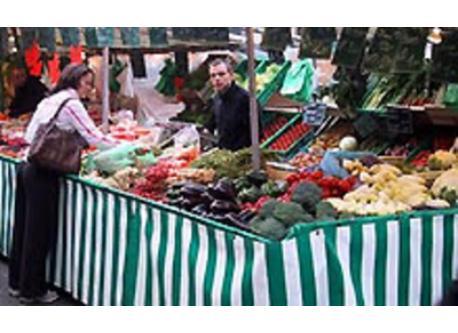 Enjoy twice a week a typical Parisian market in Place de Bitche