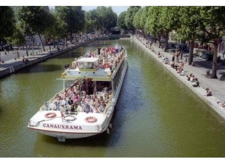 Picnic and leisure barge in Canal Saint-Martin
