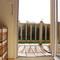 Chambre des parents, porte qui donne sur le balcon