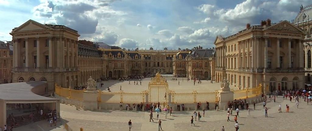 château de Versailles (17 km)