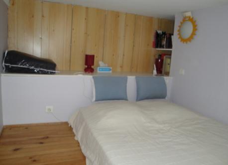 Bedroom 1 (mezzanine)