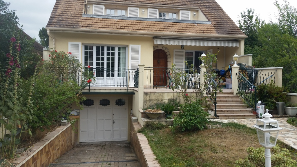 1973 House Completly renovated, 30 minutes from Paris and 15km from Orly Airport