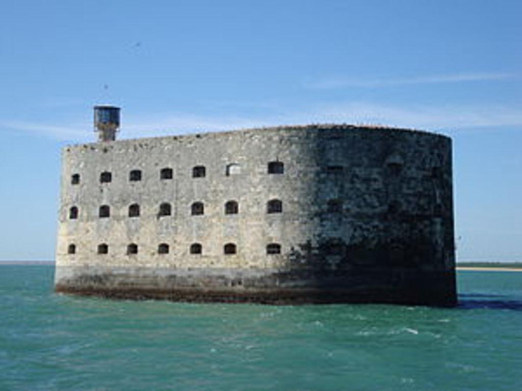 Fort Boyard (85 km)