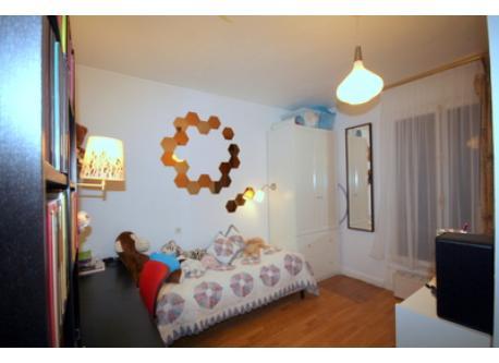 Carla's room