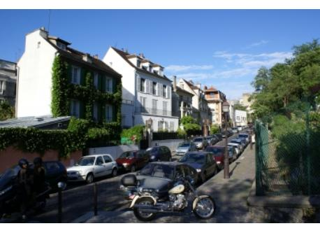 La Butte Montmartre - rue Saint Vincent, 5 mn walk from home