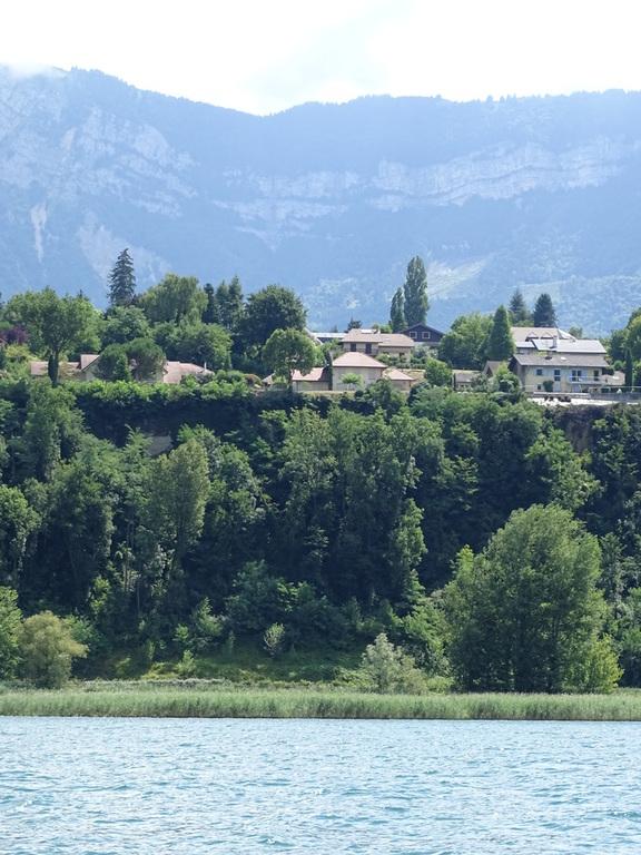 Notre villa vue du lac 15 mn à pieds, 10 mn en voiture