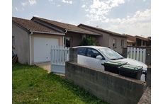 House front with garage