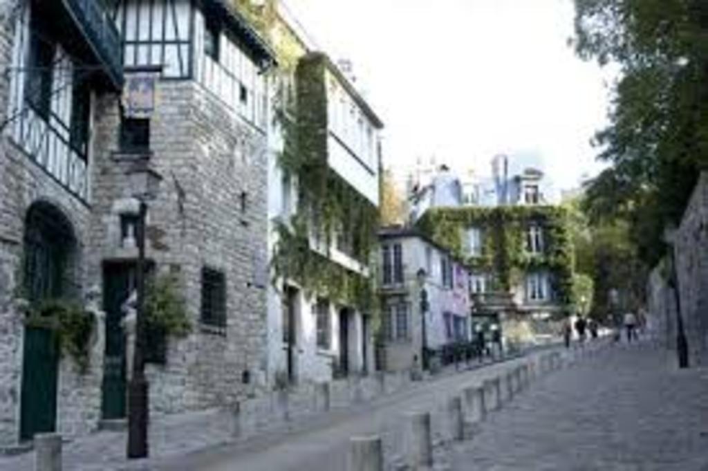 Montmartre, nearby