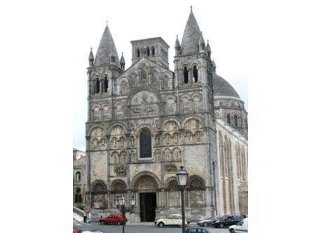 Angoulême (1 hour)