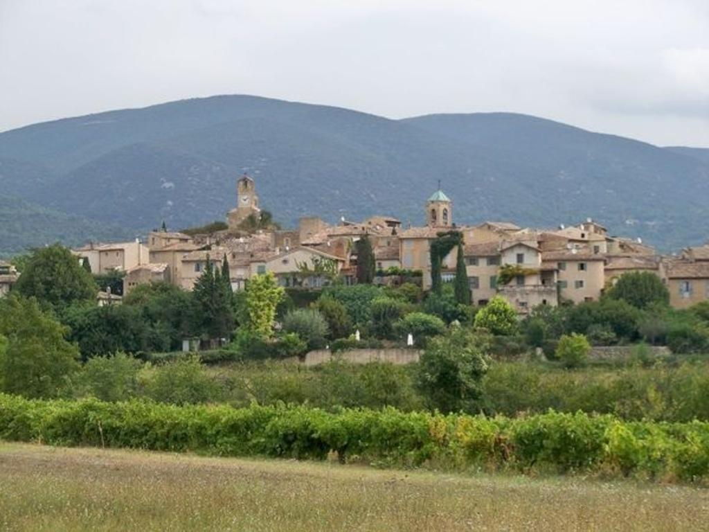 Lourmarin, 15 km from home