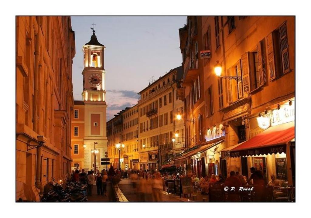 Le Vieux-Nice de nuit