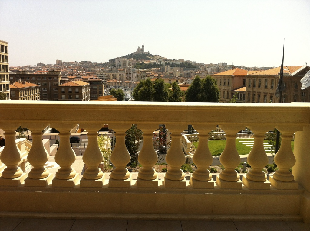 What to do : lazing on terraces admiring panoramas.15mn walk from home