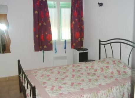 Bedroom 2 : chambre lavande (1 lit 2 p 1m40 x 1m90)