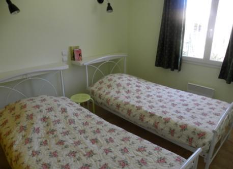 Bedroom 3 : chambre tilleul 2 p lits 90x1m90