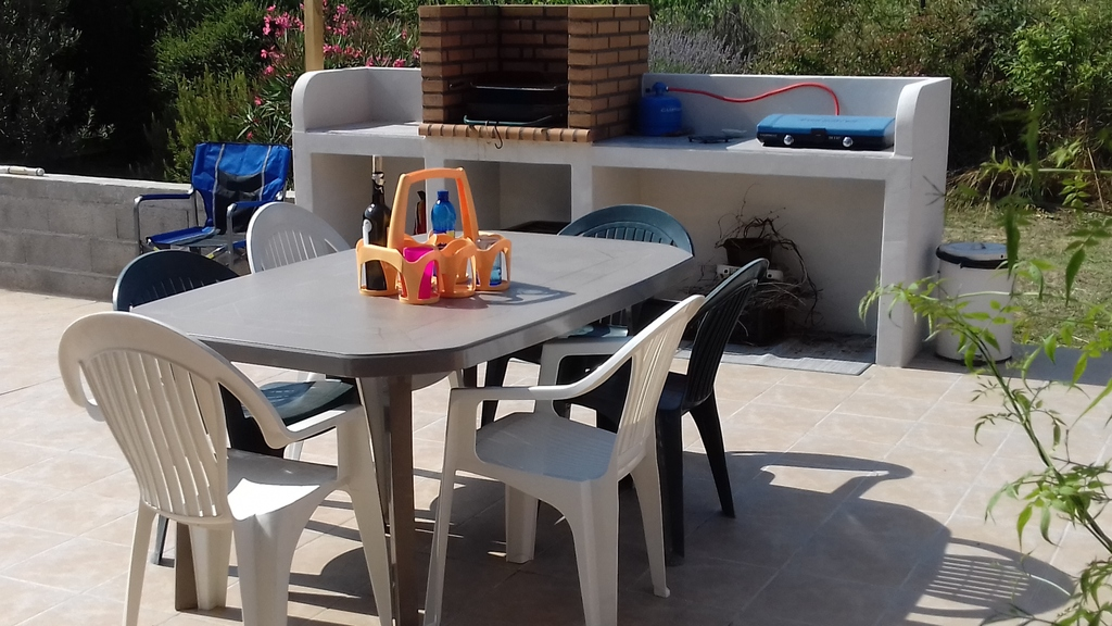 outdoor's life , terrace, bbq , kitchen