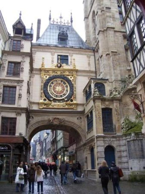 Rouen down town, Rue du gros horloge (5 km from the house)
