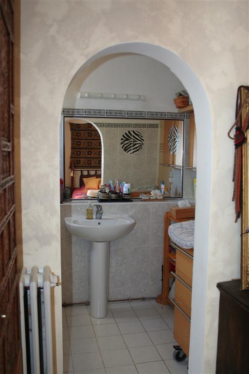 First floor - parents bath room