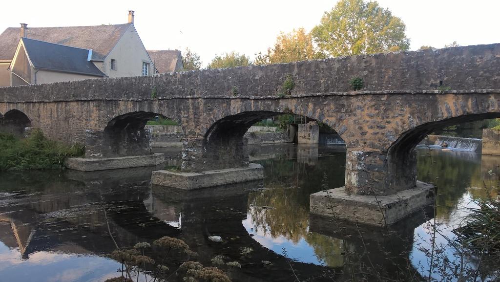 Le vieux pont de Saint-Pierre sur Erve