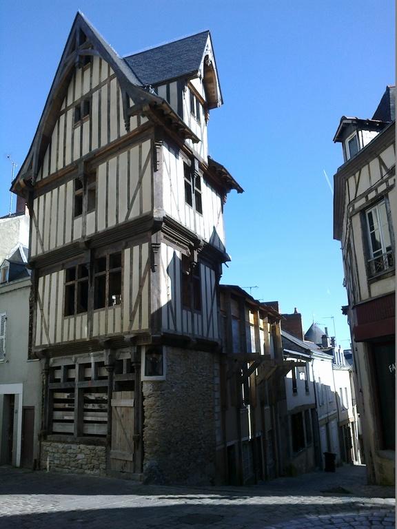 Vieux Laval