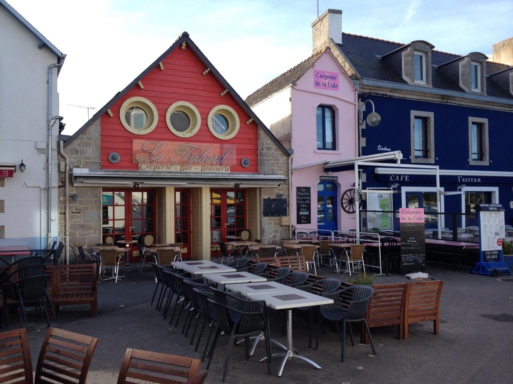 une crêperie bretonne typique