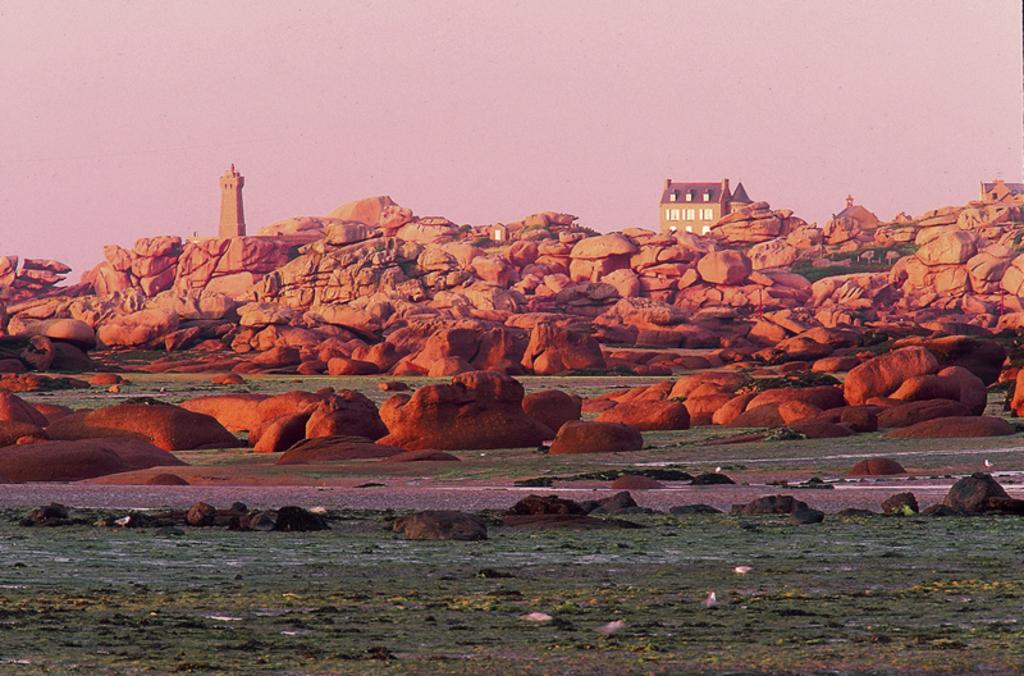ploumanach, cote de granit rose