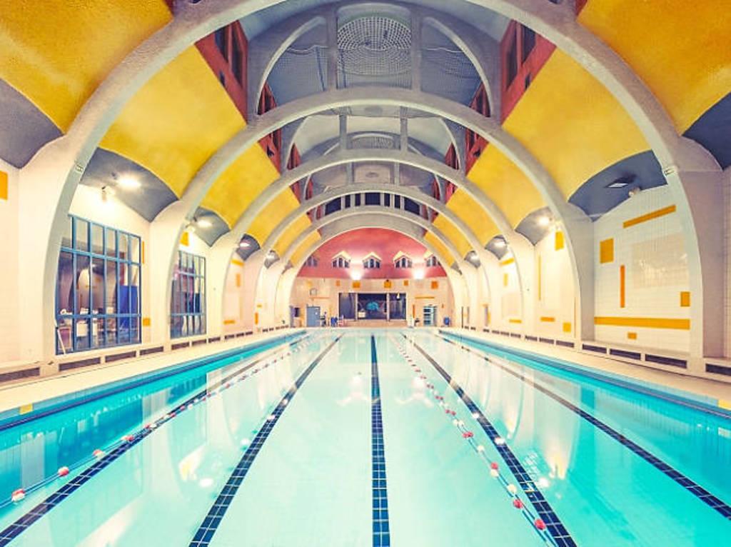 Butte-aux Cailles Art Déco swimming-pool
