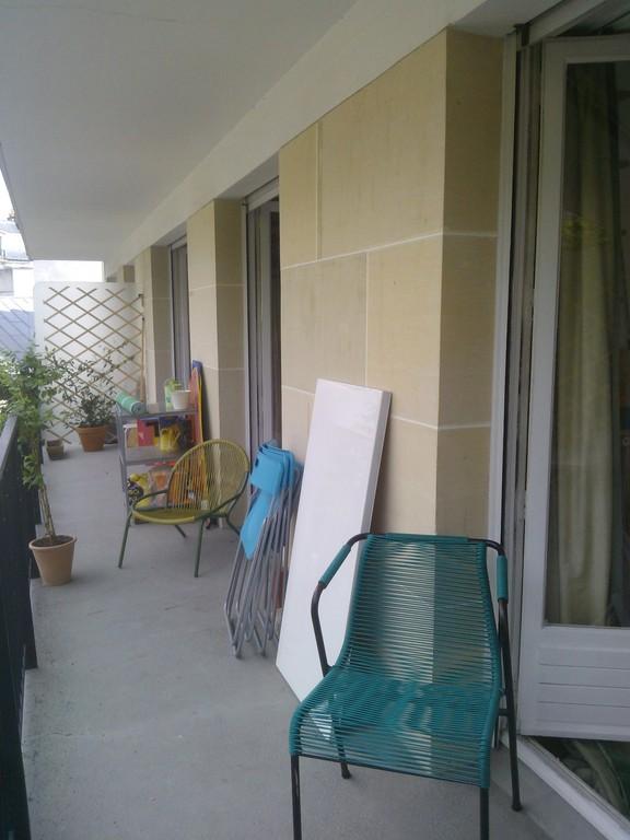 rear balcony giving on convent garden