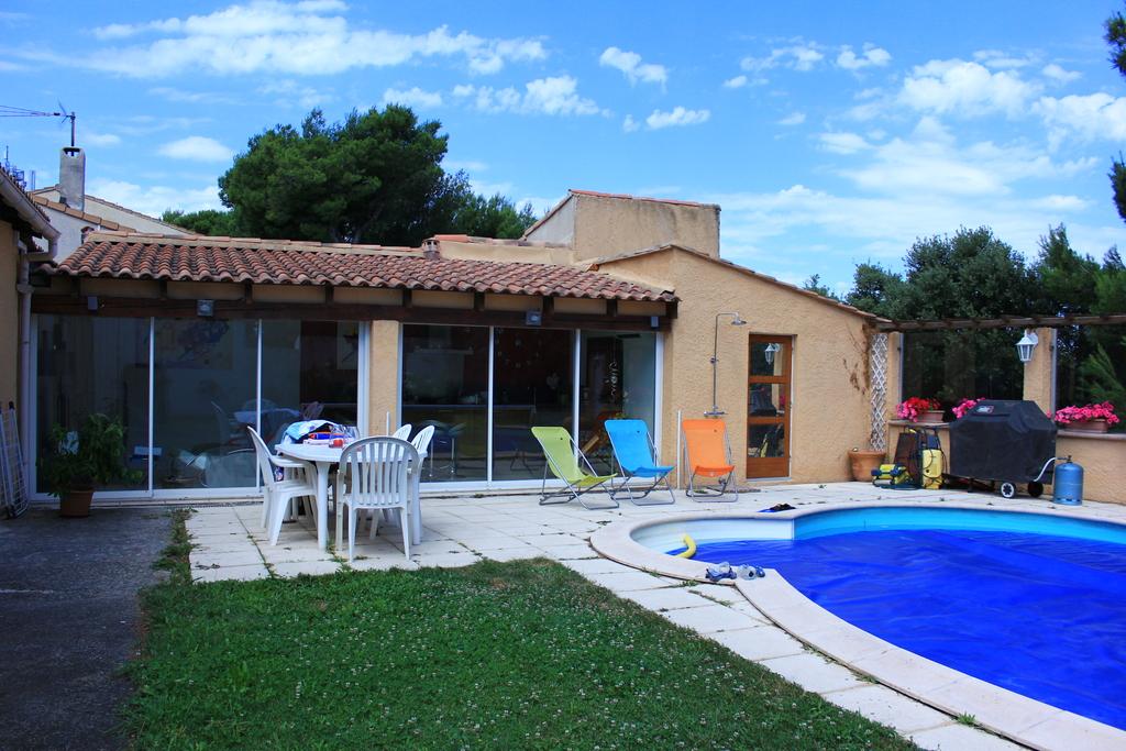 Autour de la piscine, villa individuelle en Provence, 10 échanges réalisés à ce jour