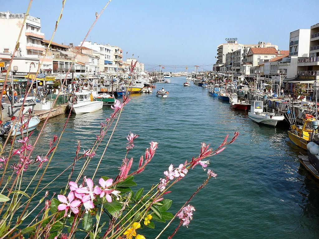 The canal of Palavas, little seaside town, 20 mn