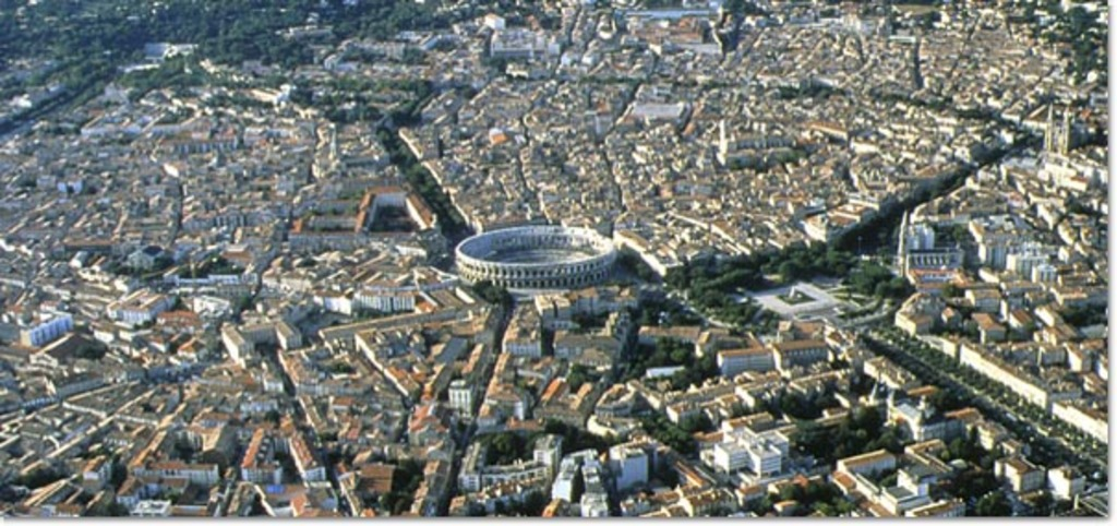 The antique town of Nîmes from the sky, 45 mn