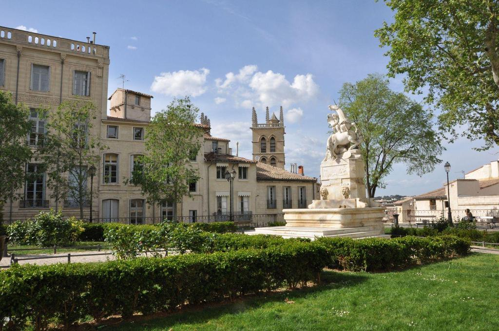 the square of La Canourgue, Montpellier, 10 mn by bus