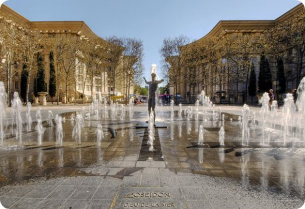contemporary square of Antigone, Montpellier, 10 mn by tram