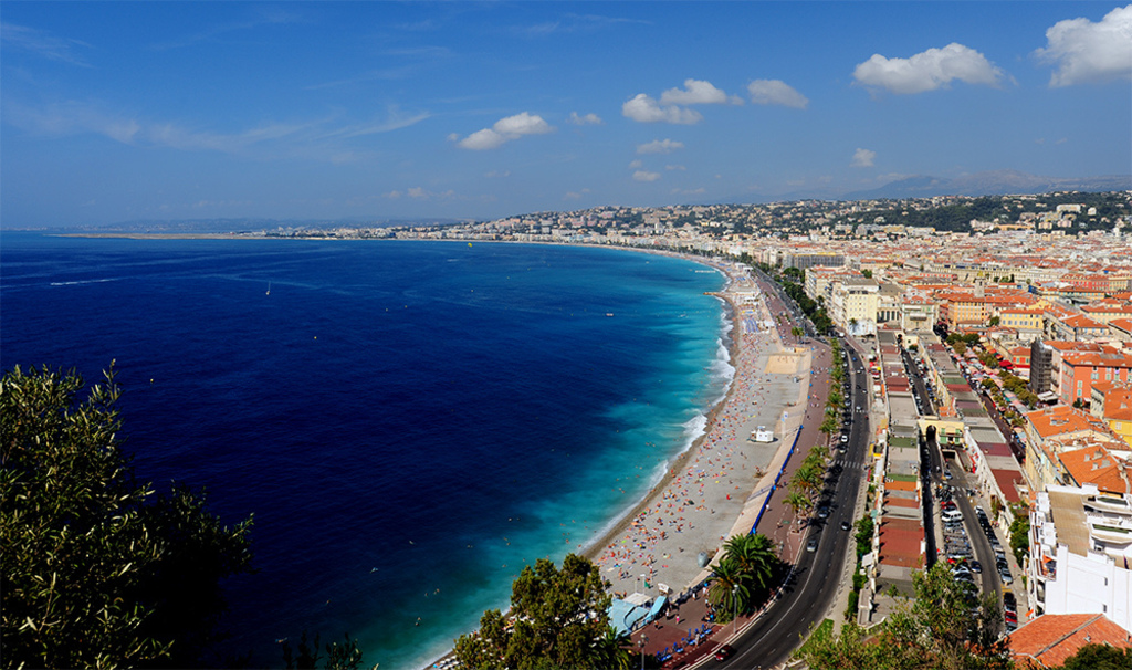 Nice : Baie des Anges (8min by walk from home !)