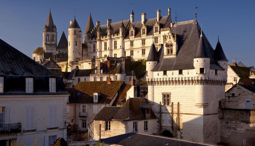 Loches (40 km) Royal town